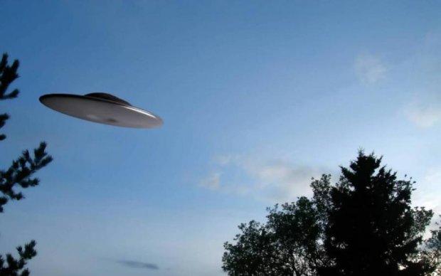 Гигантский рогатый НЛО напугал весь мир