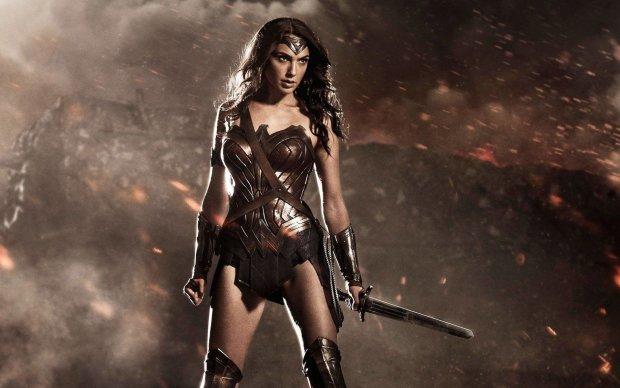 Как выглядят супергероини из культовых фильмов, когда не нужно спасать мир