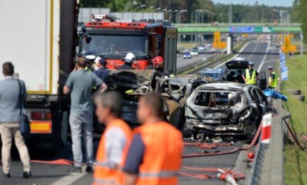 Українець врятував жінок та дітей із палаючого авто у Польщі: справжній герой