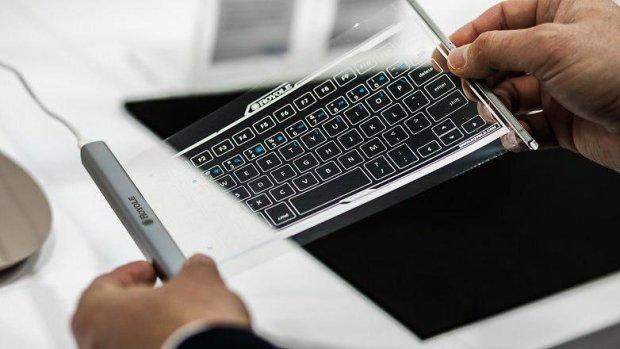 У Китаї створили першу у світі гнучку клавіатуру: функціонал вражає
