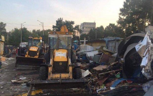 Київ очистили ще від одного великого ринку