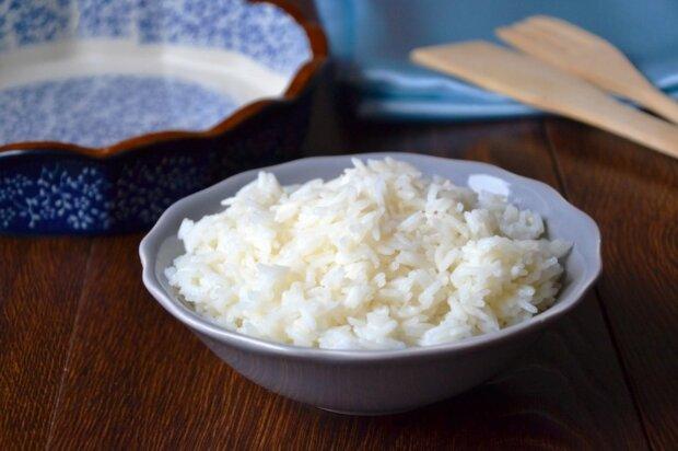 девушка годами ела только рис с перцем