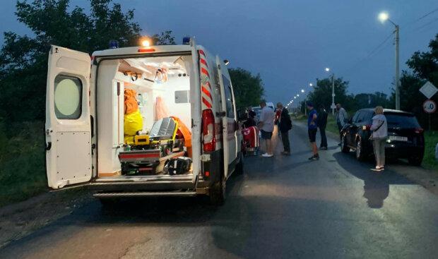 """На Тернопольщине ребенок оказался под колесами машины: """"Это ужас"""""""