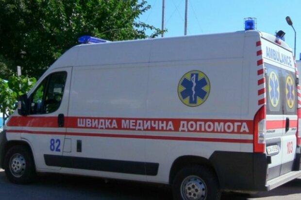 Вейп підірвав машину: моторошна НП прогриміла на весь Київ, курця терміново госпіталізували