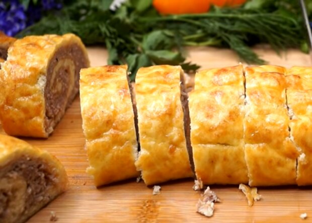 Мясной рулет с сыром, кадр из видео
