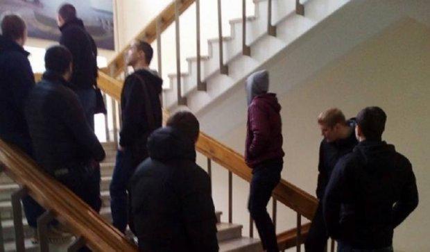 Филатова выгоняют из горсовета Днепропетровска (фото)