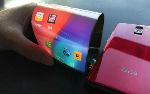Samsung кусает локти: Huawei покажет миру гибкий смартфон