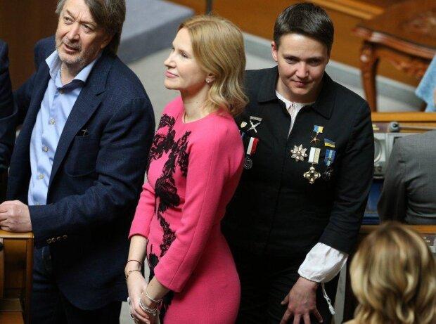 Порошенко лично отдал приказ подорвать склады в Балаклее, чтобы скрыть хищения в армии, - Савченко