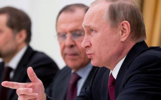 СМИ: Кремль объявил Штатам дипломатическую войну