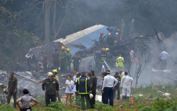 Главное за ночь: кровавая авиакатастрофа и искусственные тарифы