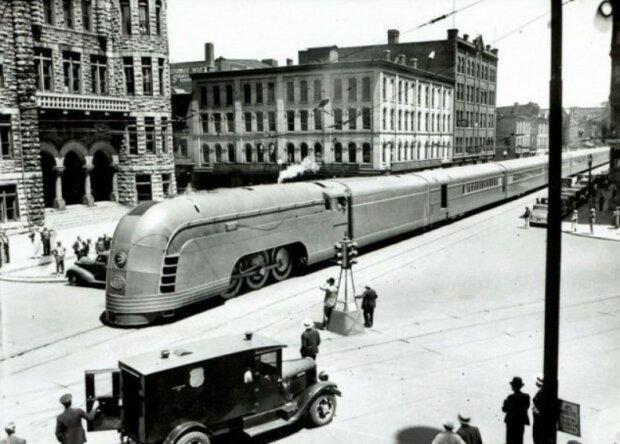 Поезд в 1936 году, фото из свободных источников