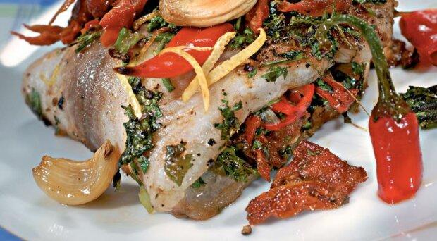 Вкуснейшая рыба с вялеными помидорами за 15 минут: просто и ароматно
