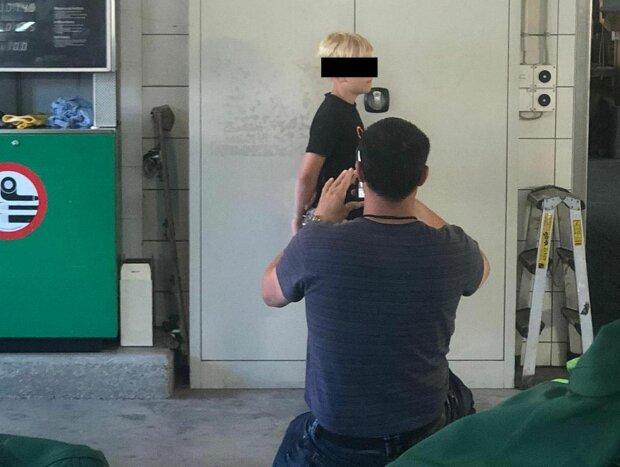 8-річний хлопчик показав несправжні гроші в магазині – продавці викликали поліцію