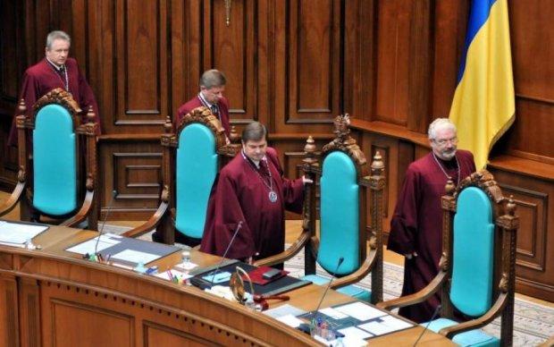 По новому закону Конституционный суд будет выполнять роль политического органа, - эксперт