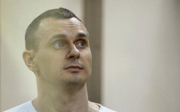Ситуація загострюється: Денисова знову їде до Сенцова