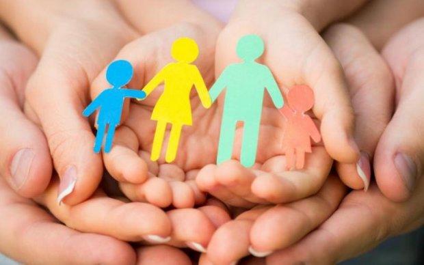 Виплати на дитину-інваліда: як оформити та отримати допомогу
