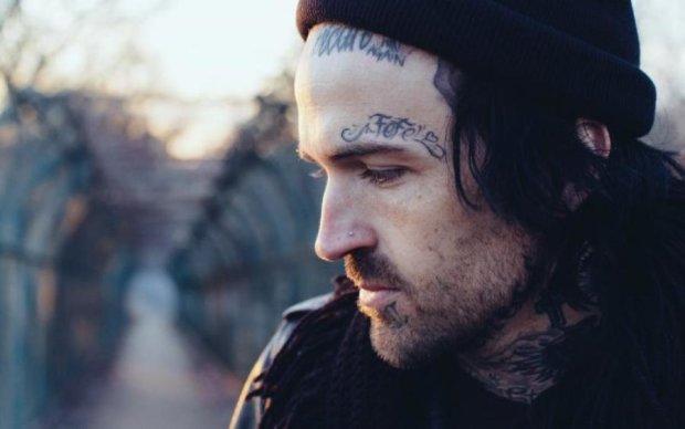 Нейросеть начала разбираться в татуировках