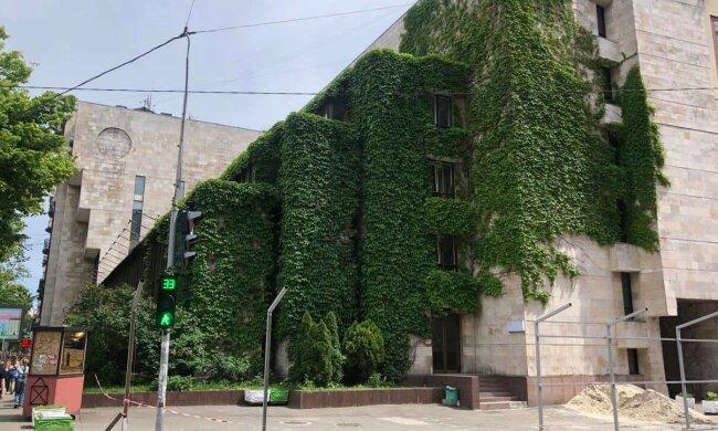 реконструкція будівлі на Січових Стрільців