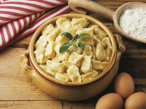 Полтавські галушки з куркою та грибами - готуємо улюблену страву Гоголя