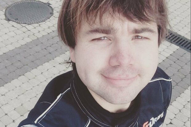 Михайло Казаков / Полежайкін, Instagram kazakovfly