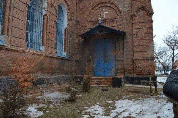 Терористи знищили 8 українських православних церков на Луганщині