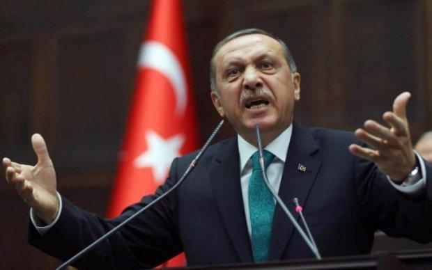 Молитвы довели Эрдогана до обморока