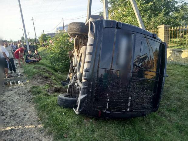 В страшной аварии на Франковщине погиб ребенок – не разминулись автобус и легковушка