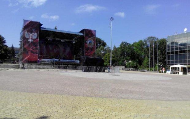Техніка до виставки і царський трон: як в Донецьку готуються до Дня міста