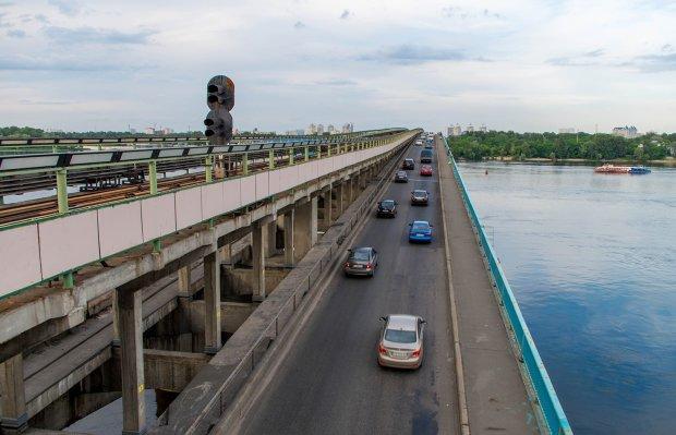 Міст Метро може ось-ось впасти: Київ на межі жахливої катастрофи