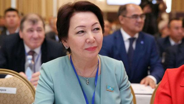 Данія Еспаєва