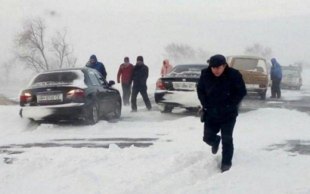 Дорога залита кров'ю: страшна трагедія сколихнула Україну