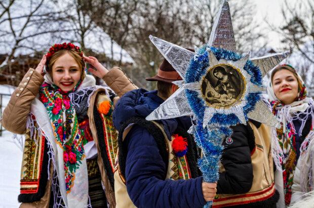 Когда в Украине принято щедровать: лучшие щедривки к празднику