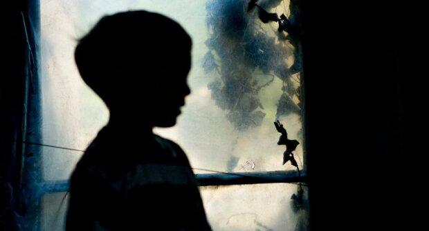 Сбежал от бабушки: в Киеве пропал 8-летний мальчик с аутизмом, опубликованы фото