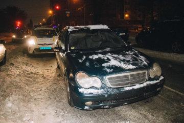 П'яний працівник СТО викрав авто й підняв копів на вуха: кадри дикої погоні в центрі Києва