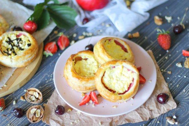 Готовим слоеные ватрушки с лимонной цедрой за 30 минут