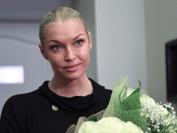 Разбилась, возвращаясь домой: Волочкова попала в ЧП
