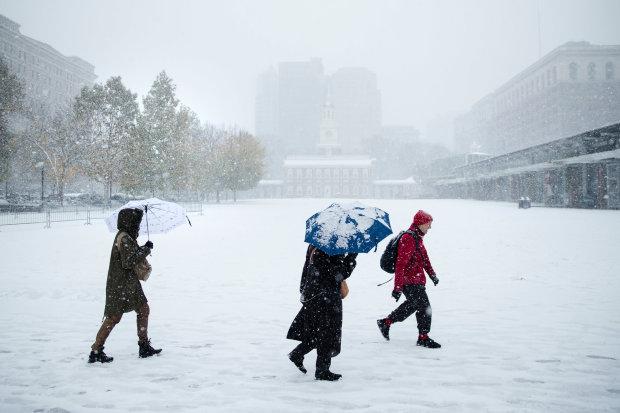 Погода розійшлася не на жарт, українців попередили: це тільки початок