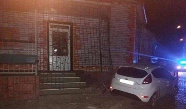 Пьяный прокурор в Мукачево травмировал троих копов