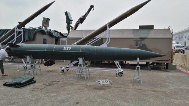 В Україну їдуть ракети з Білорусі: доки Путін погрожує, інші – роблять