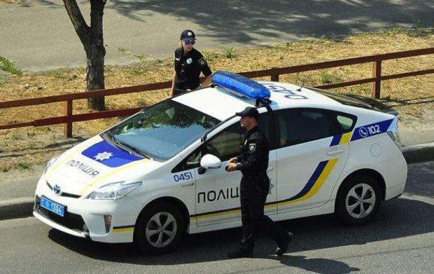 """У Одесі душогуб влаштував сусідам кривавий суд: """"повернув борг"""" потрійним убивством"""