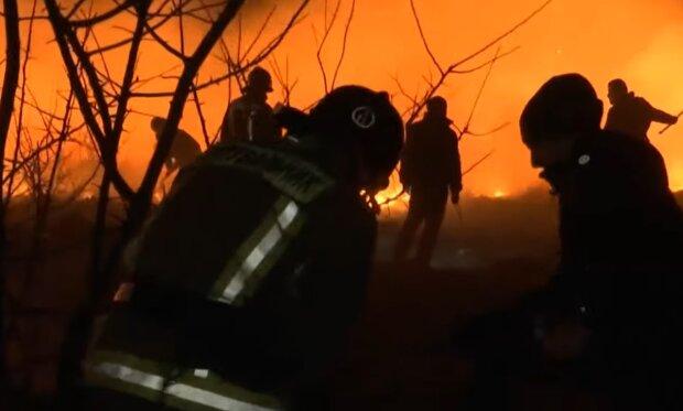 Во Франковском горящий дом взял в плен немощную пенсионерку - от тела осталась кучка пепла