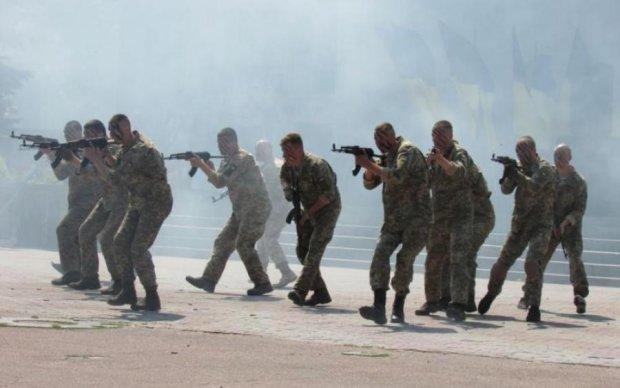 СРОЧНО! Люди в масках атаковали военную часть