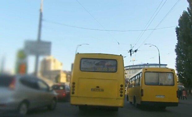 Киевлян выгонят из вонючих маршруток