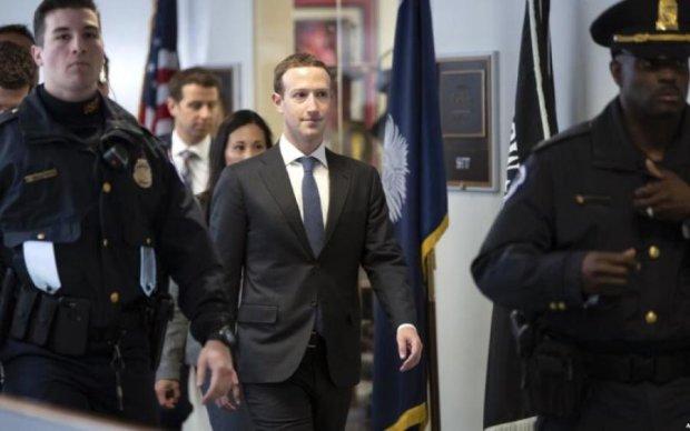 Скандал с утечкой данных Facebook: Цукерберг сделал сенсационное признание