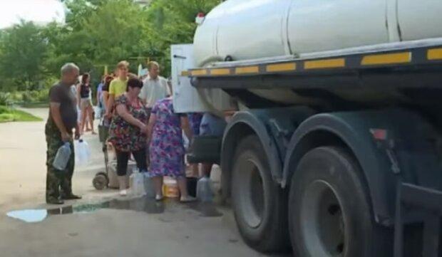"""Кримська влада готова відбирати колодязі і свердловини у простих людей: """"Вода - всіх, не чиясь власність"""""""