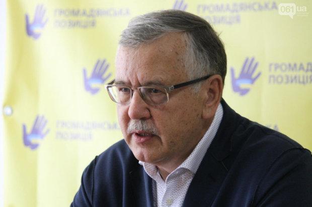 Гриценко поставил жесткие требования руководству МВД из-за смерти Комарницкого: убивают те, кто должен защищать людей