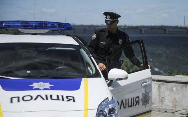 Пьяная компания открыла стрельбу из авто на киевской дороге