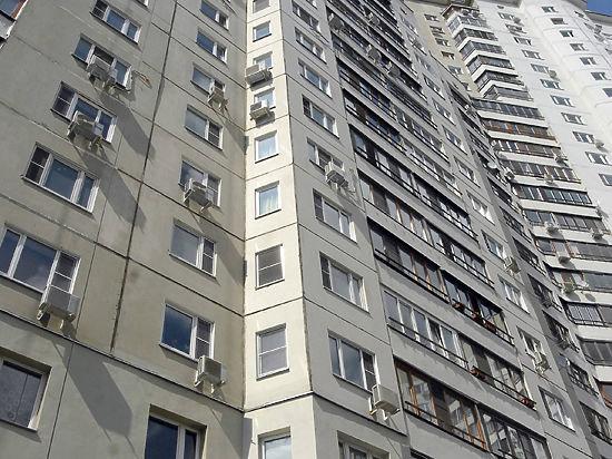 Харьковчанин мыл окна и выпал, спасти не удалось