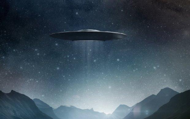 Астрономы засняли НЛО, промчавшийся вблизи МКС