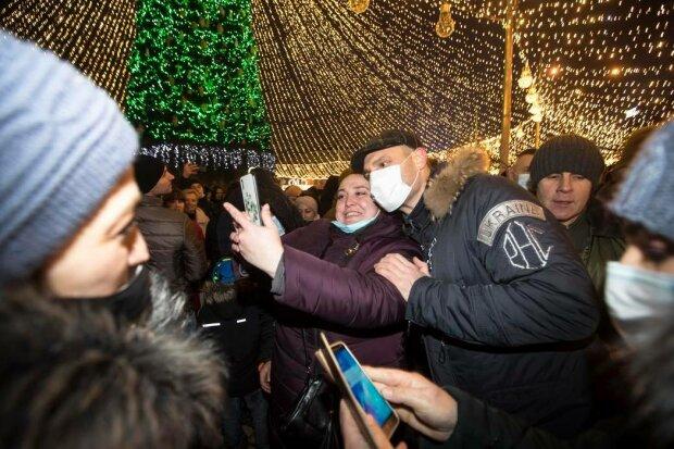 Софийская площадь, елка-фото со страницы КГГА на Фейсбук